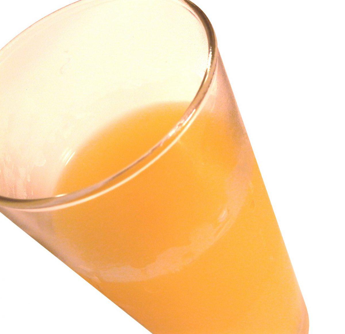Zastąp wodą słodzone napoje